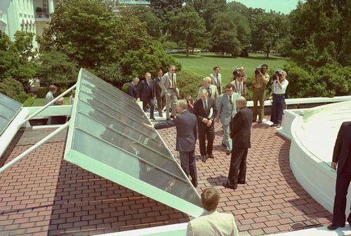 via @MikeHudema On this day in 1979 Jimmy Carter put up 32 #solar panels on the White House. #ActOnClimate Go 100% https://t.co/emBOSchDr3