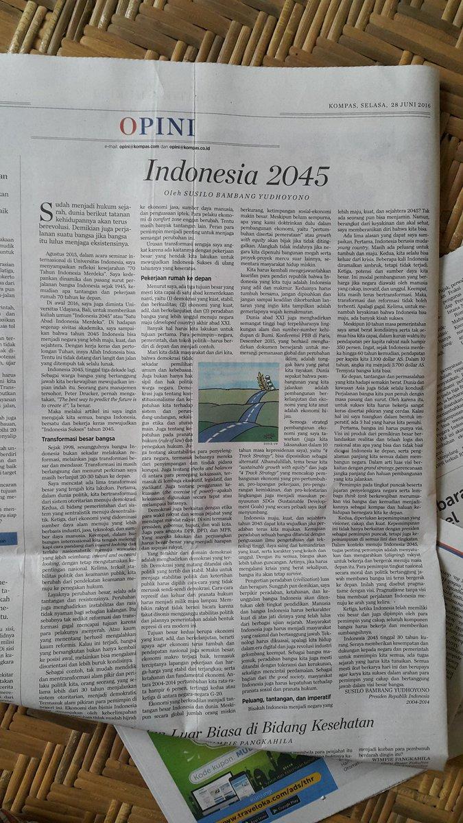 kado dari Presiden RI ke-6 @SBYudhoyono di hut ke-51 @hariankompas | pragmatisme dengan visi | selamat membaca https://t.co/OLlSiOjDvT