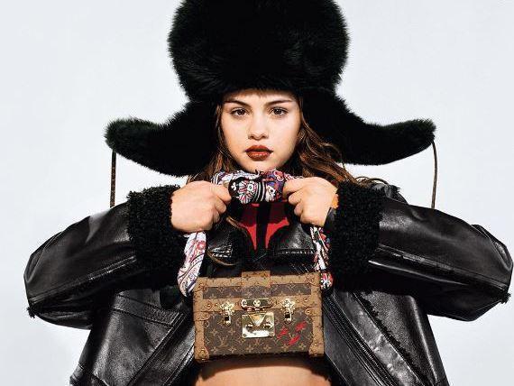 Selena Gomez égérie Louis Vuitton : vous en pensez-quoi ? #Louisvuitton #lv https://t.co/HcQEADThY4