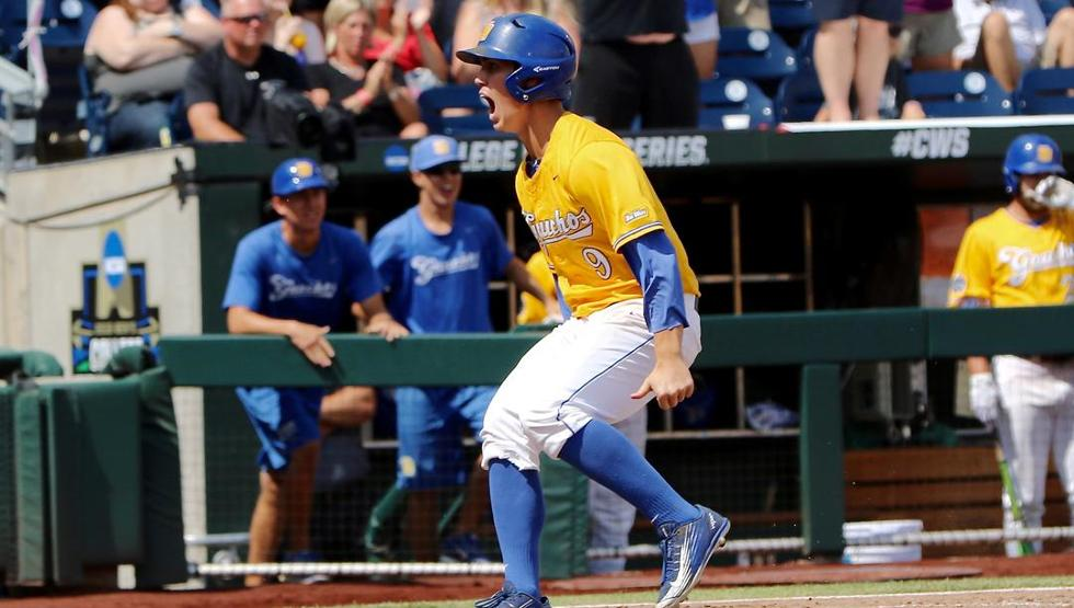 .@UCSB_Baseball earns first ever College World Series win, eliminates Miami! RECAP >>> https://t.co/whldx8T74y https://t.co/KPr0IvxndY
