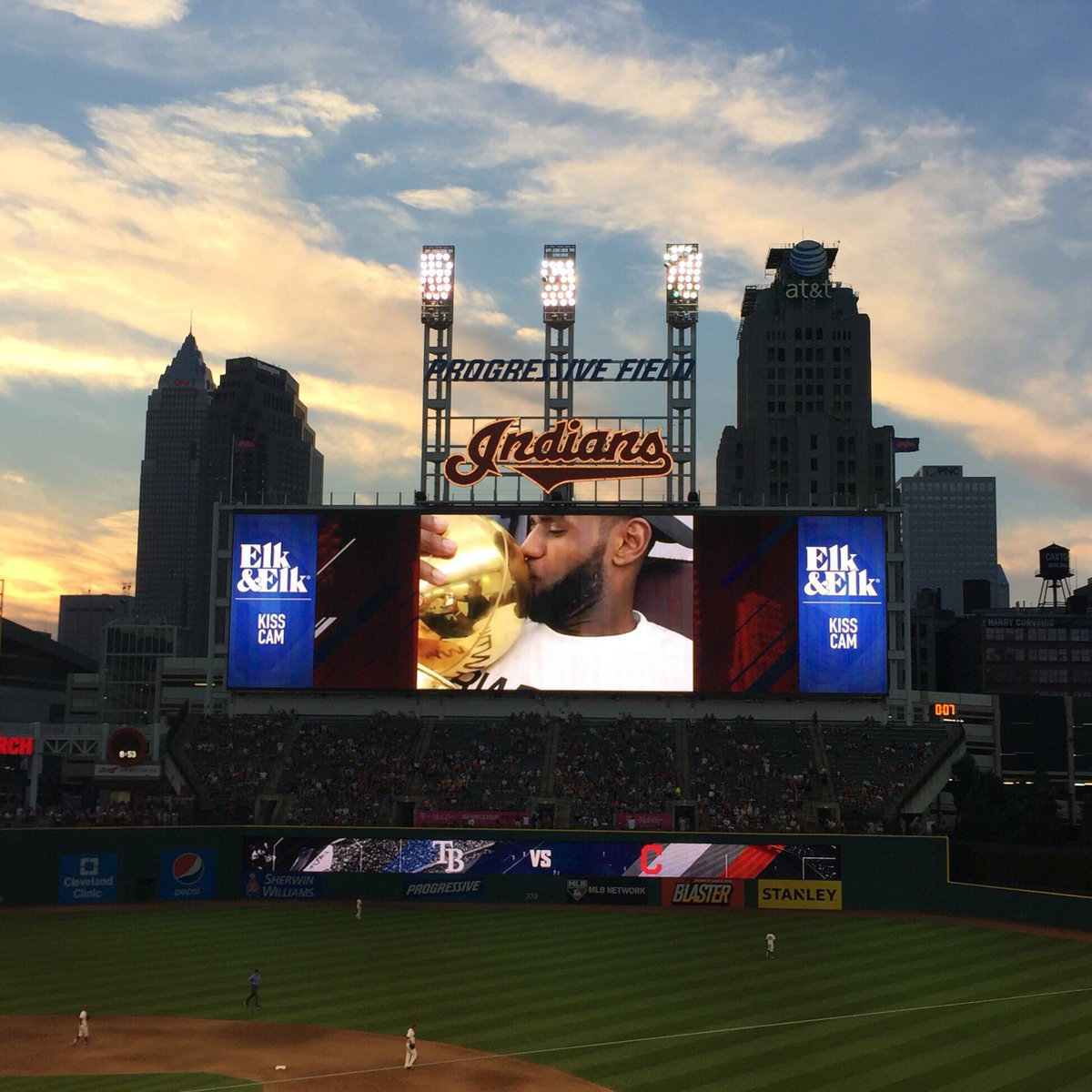 .@KingJames and Larry made the kiss cam at the @Indians game tonight!! #RollTribe #ALLin216  #Believeland https://t.co/1oM1NPUgo4