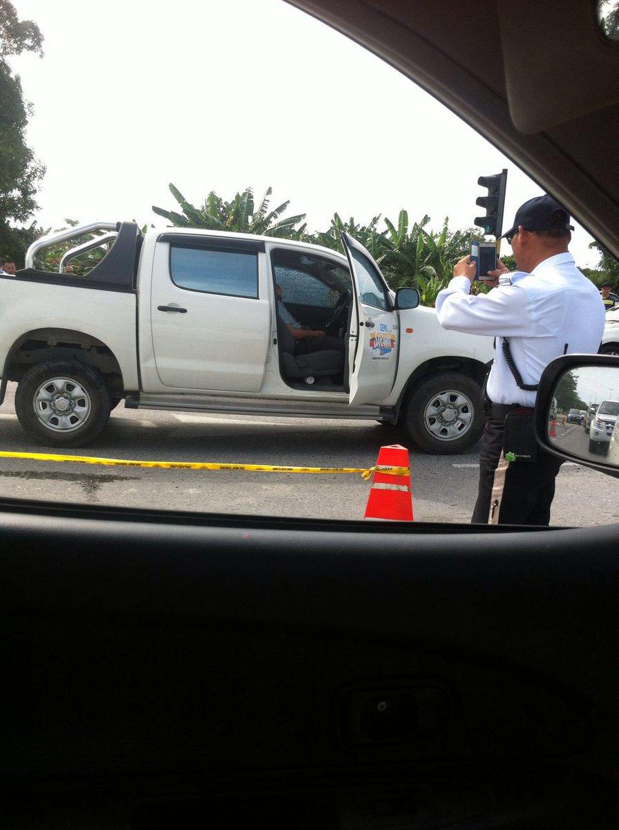 Motif pembunuhan Bill Kayong belum dikenal pasti. Dia ditembak dlm kenderaan Parti, peluru tembus dari belakang. https://t.co/6DpTXFWiHC