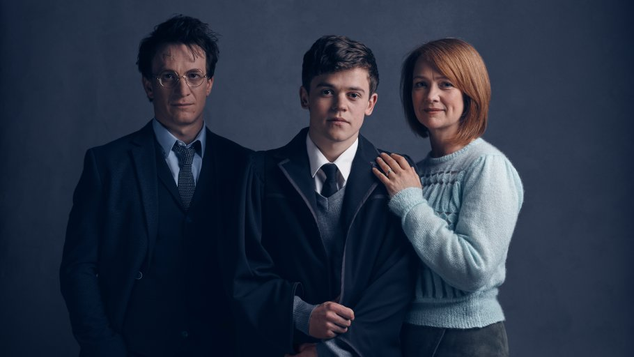Harry Potter and the Cursed Child: L-R, Jamie Parker as Harry, Sam Clemmett as Albus and Poppy Miller as Ginny. https://t.co/C6N8vvKXo0