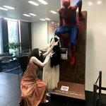 ちょマジでやめて!貞子と伽椰子がソニーに突撃訪問してカオス!