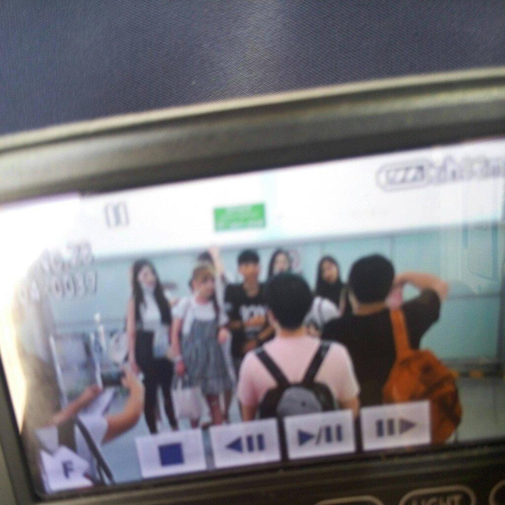 jeong yein on preview  jeong yein on preview 160621 47084486604753251592 lovelyz at beijing capital international airport t co tkxyloecy8 via foxywish