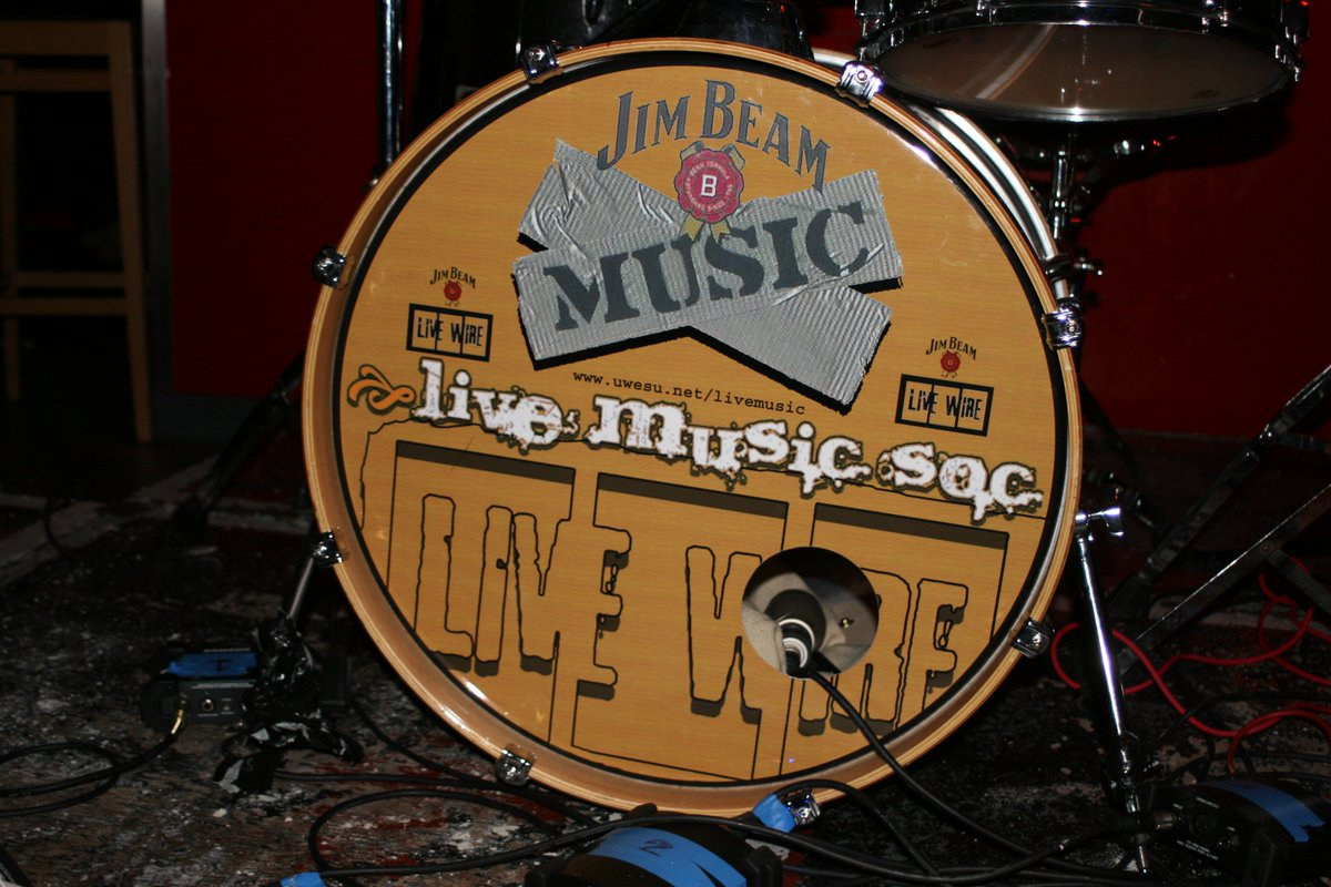Open mic nights and gigs with @UWELIVEMUSIC #worldmusicday https://t.co/pJWRBgHcJs
