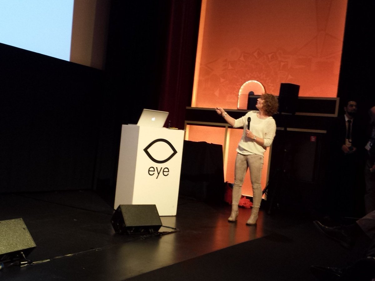 """Towards in - vitro (pre-) clinical trials """"on chips"""" by Anja van de Stolpe (Phillips) #nanocity2016 https://t.co/aXgsud0Yfx"""