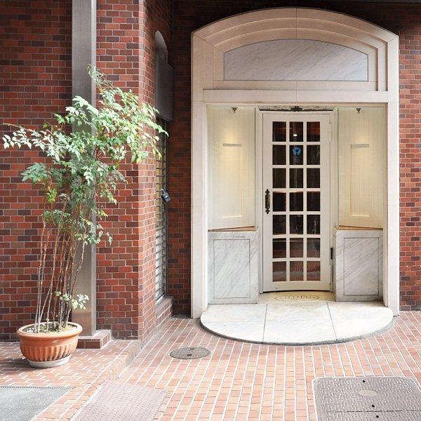 「モリカゲシャツ東京レセプション」7月1日(金)13時オープンです!前日の6月30日(木)は18時〜21時の3時間だけフライングオープンします。ご都合に合わせて是非ともご来店下さい。https://t.co/4OeAUvAkJ1 https://t.co/n2vBem7yCg