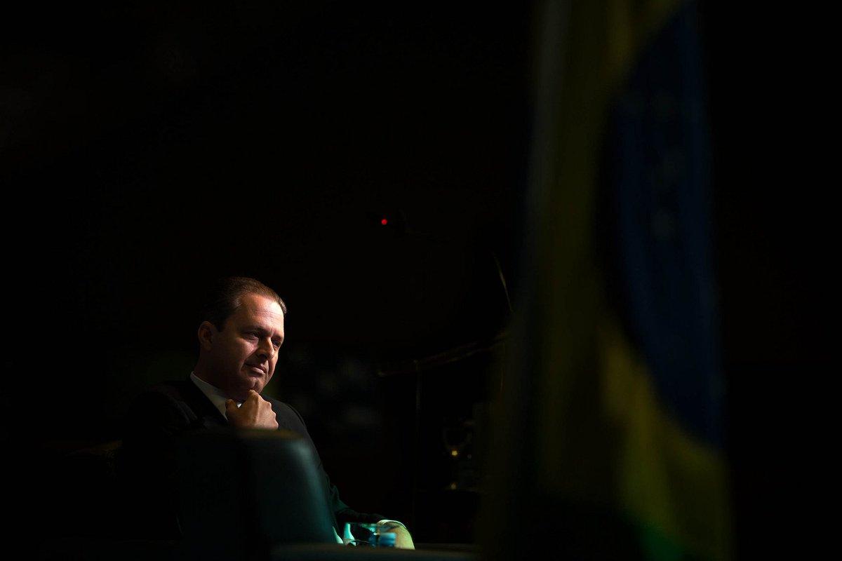 UM ACIDENTE DE 600 MILHÕES DE REAIS. De quem é o avião que matou Eduardo Campos? - https://t.co/FrVcW18taH