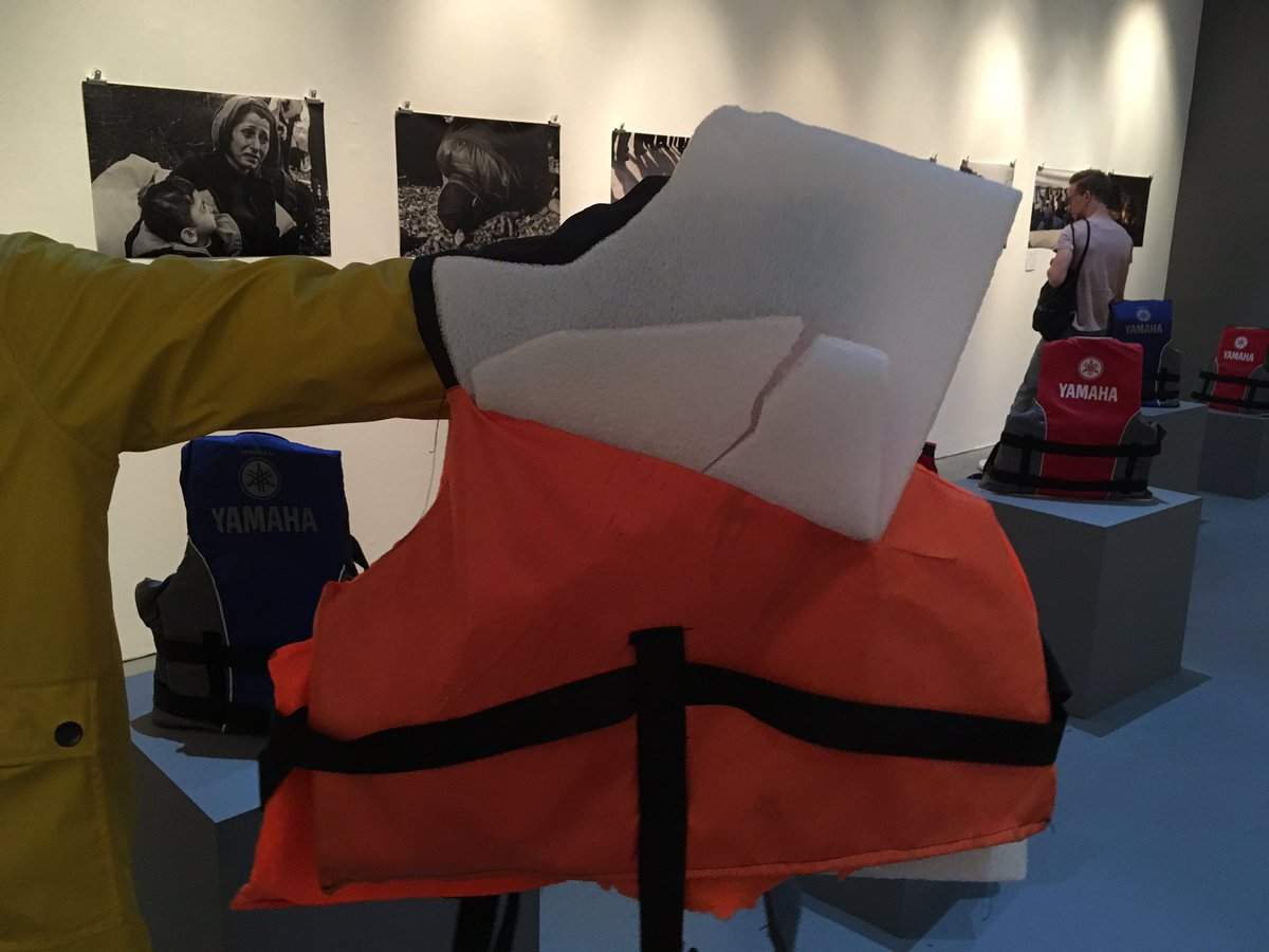 All the life jackets here are 'fake', filled with non-buoyant materials & sold to ppl by smugglers #CalaisStories https://t.co/z5uRQKah0v
