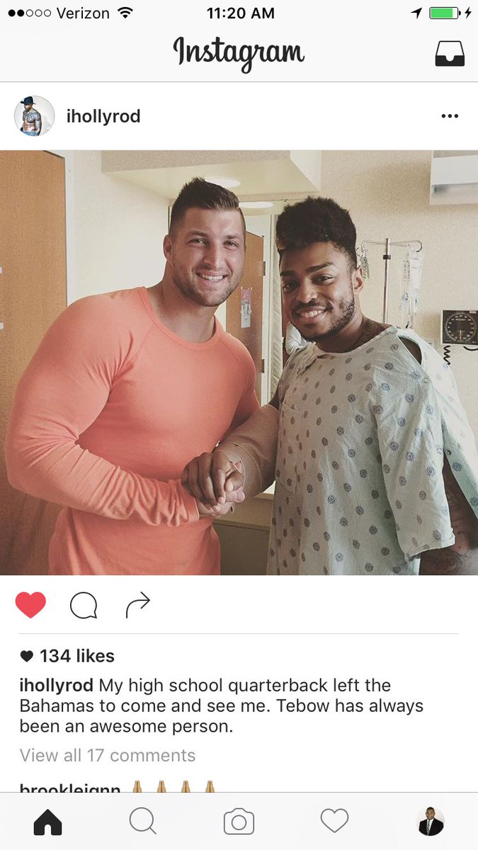 .@TimTebow with his former teammate Rodney Sumter. He is a Pulse Nightclub shooting survivor. #teamsideline https://t.co/8XJYScGwku