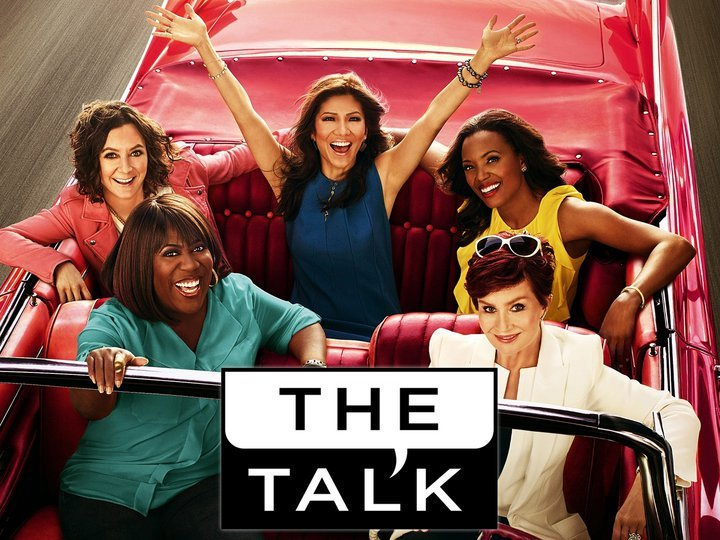 On @TheTalkCBS, see the cast of @PLLTVSeries + @KevinFrazier and designer @sabrinasoto! #LiveonKTVO CBS @ 1pm https://t.co/dJWXajoLYG