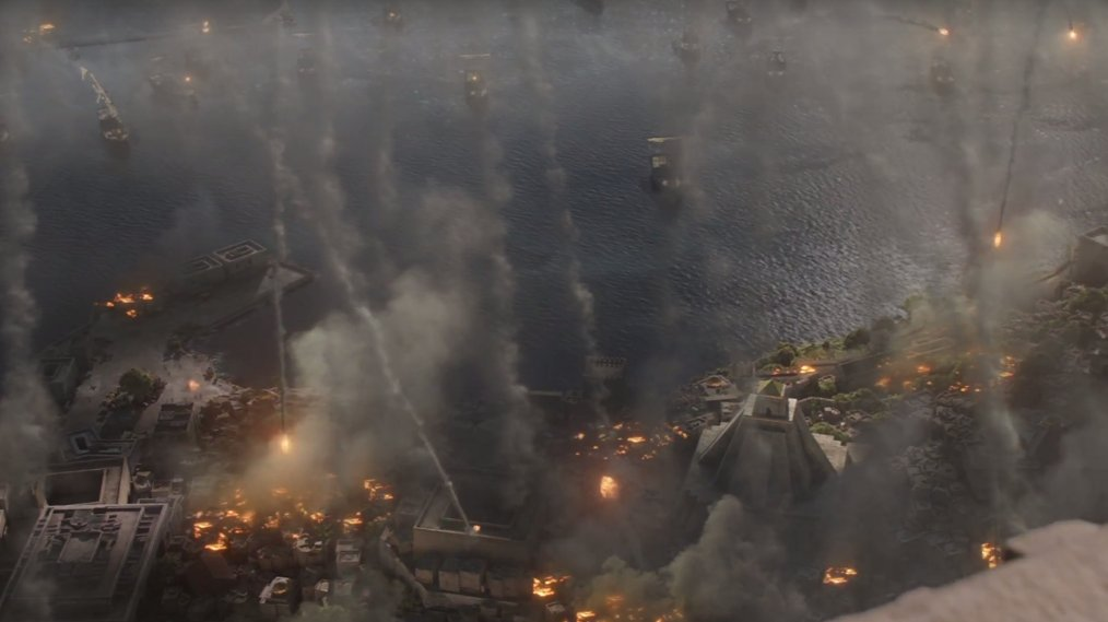 We start out in Meereen where the shit has hit the fan, or rather flames are hitting the city. https://t.co/IwlRSB2l21