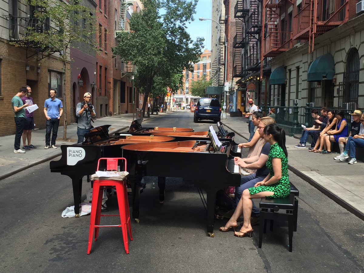 Music for multiple pianos in the middle of the street, a part of Make Music New York. #MMNY2016 https://t.co/pfg4EhJi7g