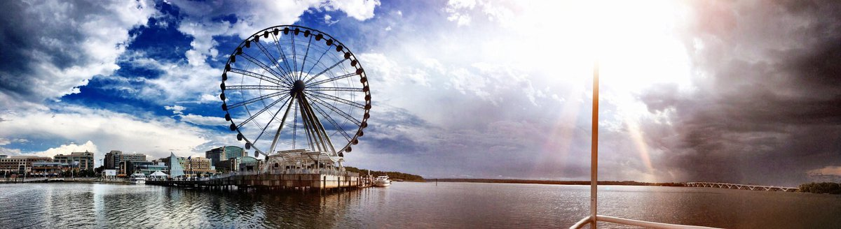 Hey @capitalweather, here's @CapitalWheel and the Potomac right now seen from @PRC_riverboats water taxi. https://t.co/7jd54Z5wEh