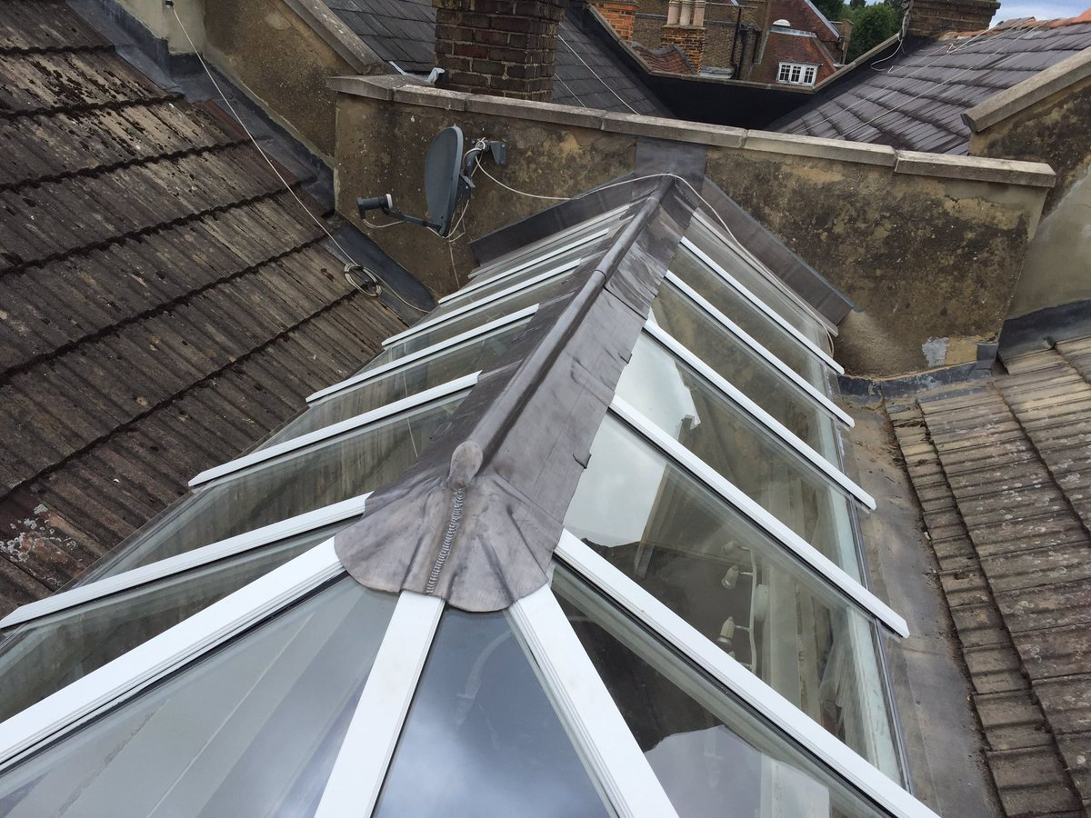 Roof lantern by Atterton Building Services with #leadcapping. #leadsheet #leadwork @liam_stockmanpic.twitter.com/axDgjgLBkm