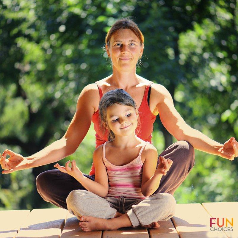 ¿Practicas yoga? Intentalo con tus hijos! #YogaDay Pruébalo sobre su cojín personalizado. https://t.co/KSf3qDpumf https://t.co/Za6yZ8EIB1