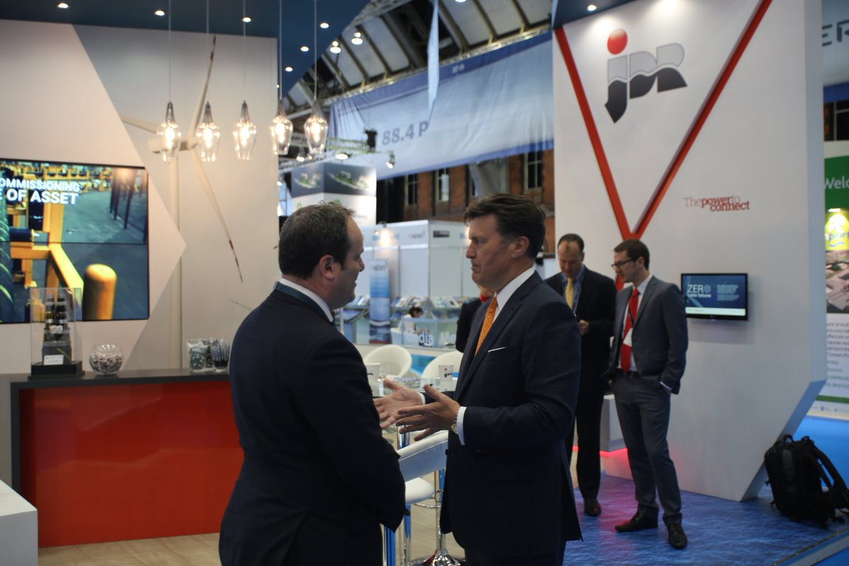 Our CEO David Currie hosting Scottish Minister for Business, Innovation & Energy Paul Wheelhouse at #GOW2016 https://t.co/pBj9o54Azf