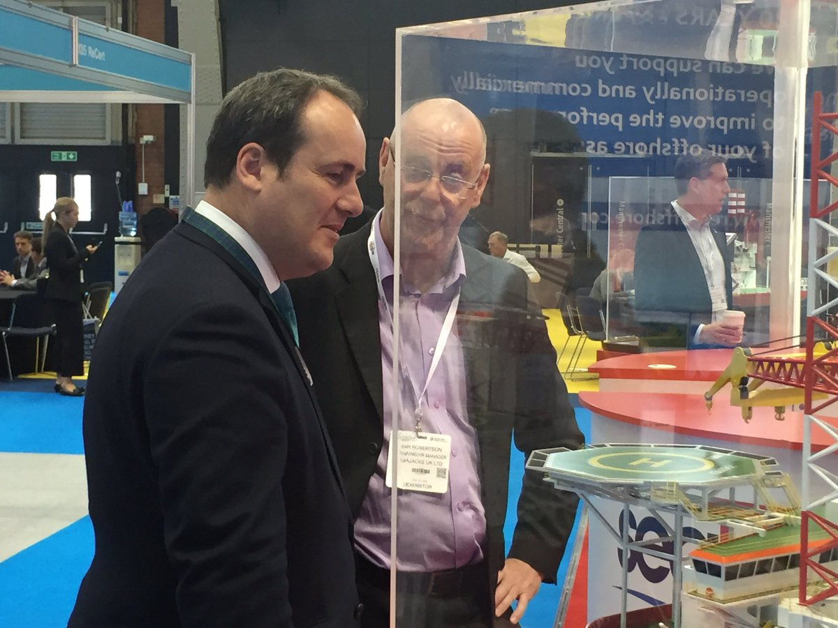 New Scottish Energy Minister @PaulWheelhouse visiting client @Seajacks stand at #GOW2016; it's all about UK content https://t.co/jHgpwCPZhn
