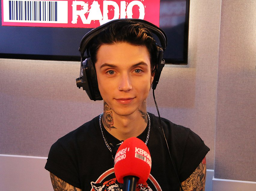 6pm tonight: @andyblack is taking over our station! Listen here: https://t.co/6uaz9Yh4mU https://t.co/BOPsG4qDL6