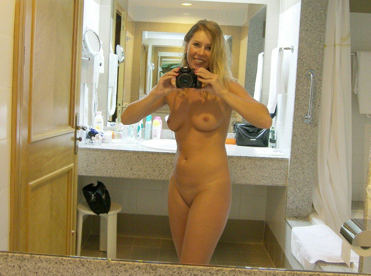Nude Selfie 6409