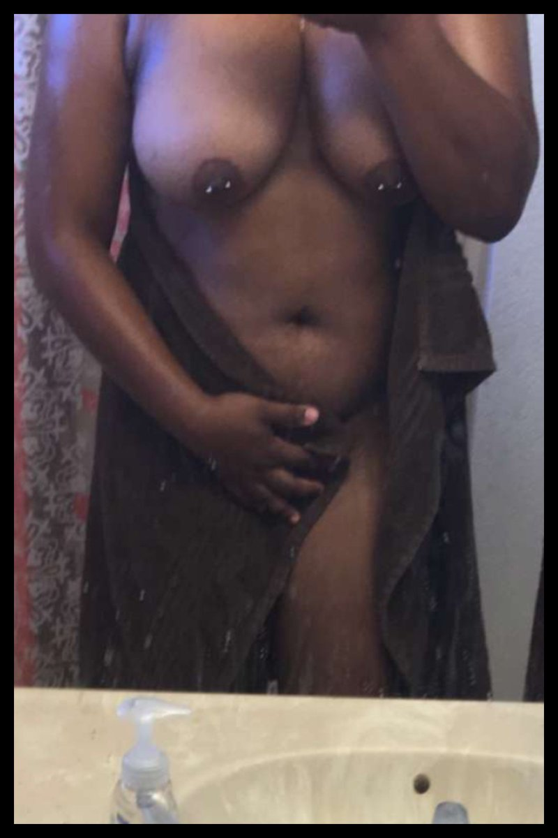 Nude Selfie 6423