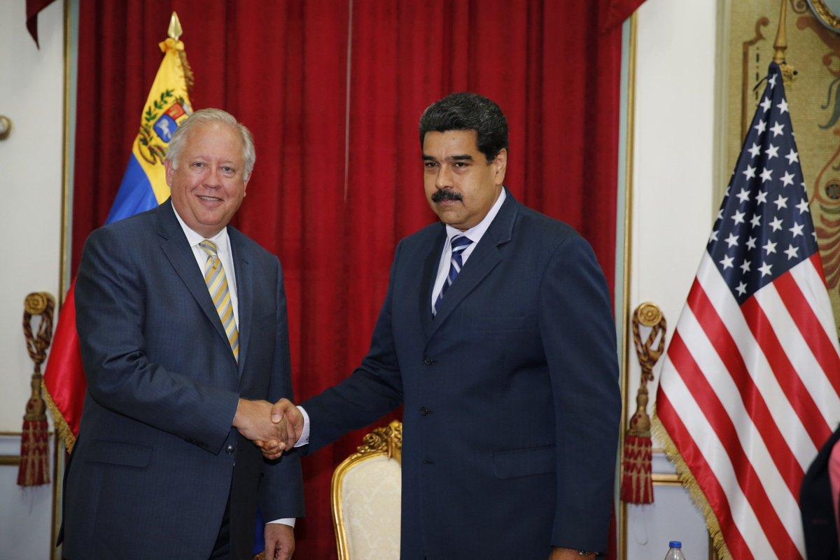 SALA SITUACIONAL - Agresion estadounidense a Venezuela. - Página 3 Clk0FvfXIAAKBqV