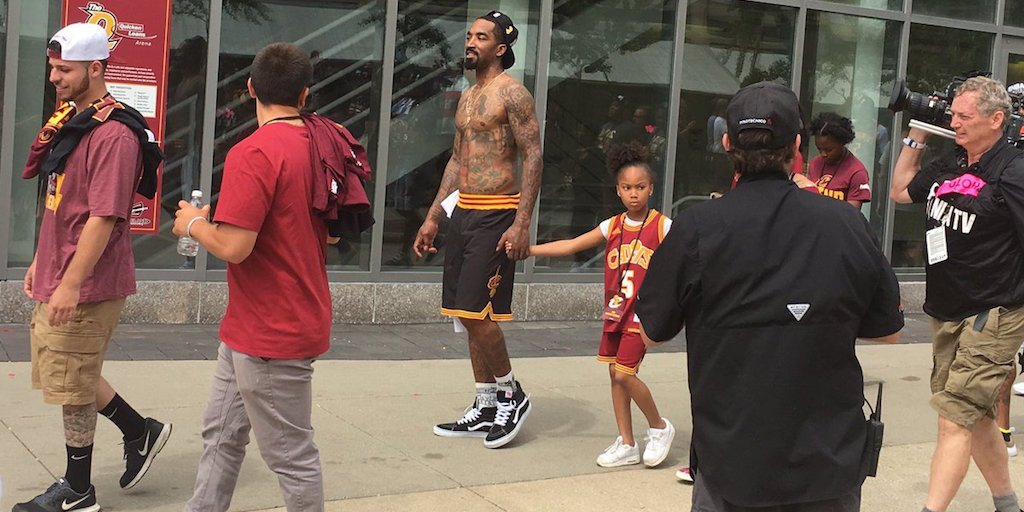 JR is still wearing his game shorts. I doubt he's slept. https://t.co/6CTyuGaixN
