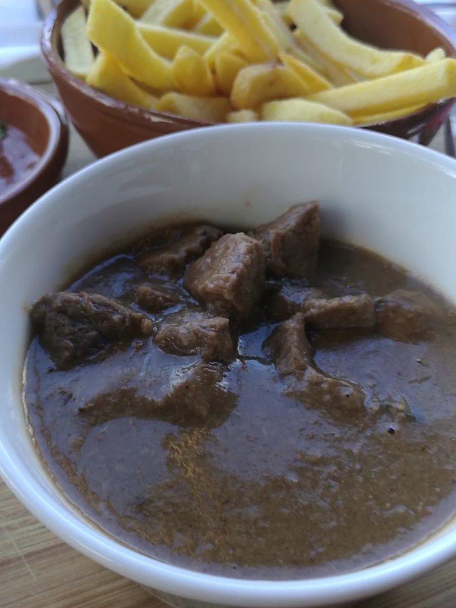 Vreselijkste stoofvlees die ik ooit kreeg voorgeschoteld #ducommerce #Terneuzen. Ga ik niet eten.<br>http://pic.twitter.com/ggokl2ICWn