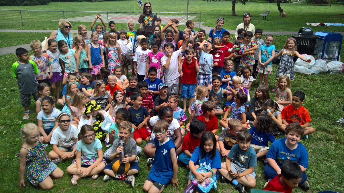 RT <a target='_blank' href='http://twitter.com/GlebeAPS'>@GlebeAPS</a>: 1st grade picnic, can't believe they will be in second grade soon! <a target='_blank' href='http://twitter.com/Glebe2nd'>@Glebe2nd</a> <a target='_blank' href='http://twitter.com/Glebe1st'>@Glebe1st</a> <a target='_blank' href='https://t.co/kwIKY7DGek'>https://t.co/kwIKY7DGek</a>