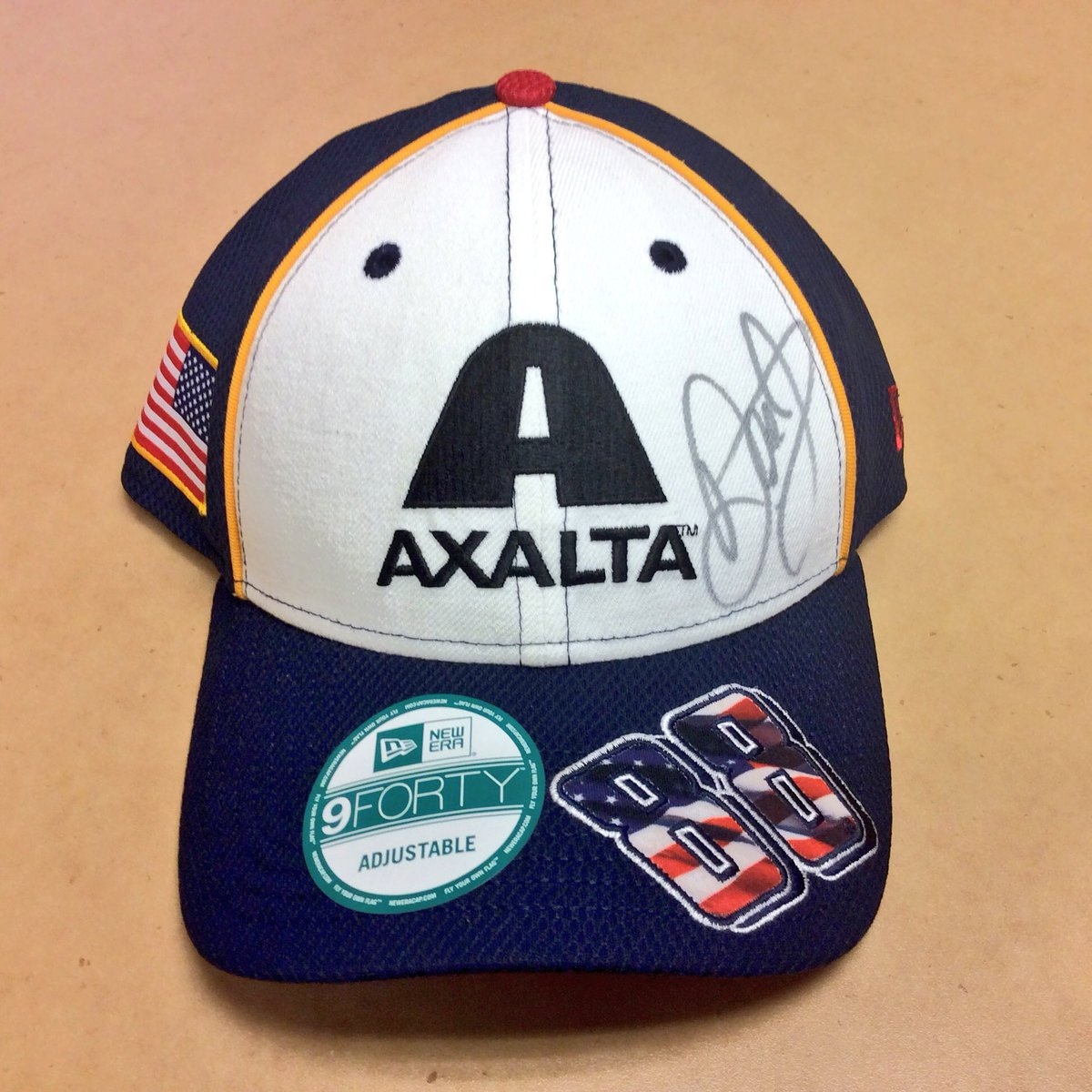 The @AxaltaRacing 8️⃣8️⃣ is back this weekend!  RT by 12 pm ET tomorrow & you could win this hat signed by @DaleJr https://t.co/wtl8o4FYOO