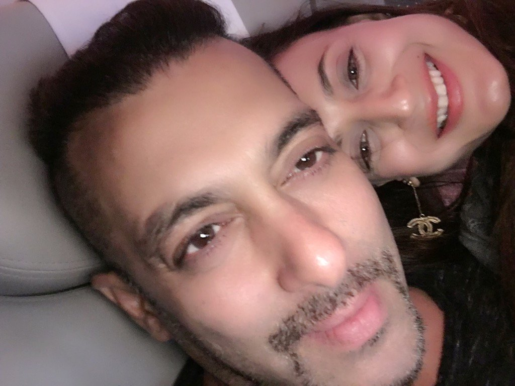 On flight to Madrid with my darling @BeingSalmanKhan https://t.co/B6wRr4A764