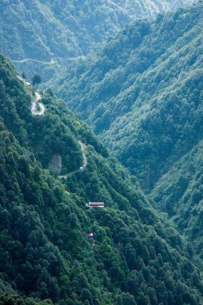 CllP4LpUkAA7Ntg - The Abano Pass