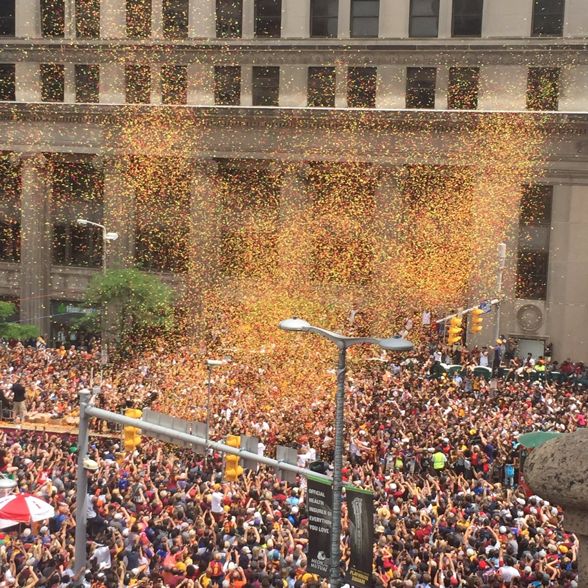 The confetti takes on human form of a #Cleveland fan raising arms in victory of the greatest team ever #ALLin216 https://t.co/OZPd1VnALw