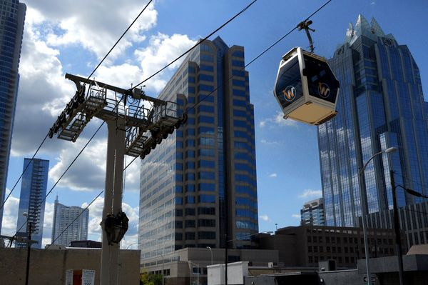 Austin reacts to a proposed gondola system https://t.co/k4XdQ55xwt https://t.co/hXDjNVlqFf