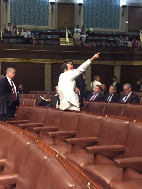Now @HouseGOP telling security to remove people from gallery. First they turn cameras off. Now this. #NoBillNoBreak https://t.co/FLp2etM7jz