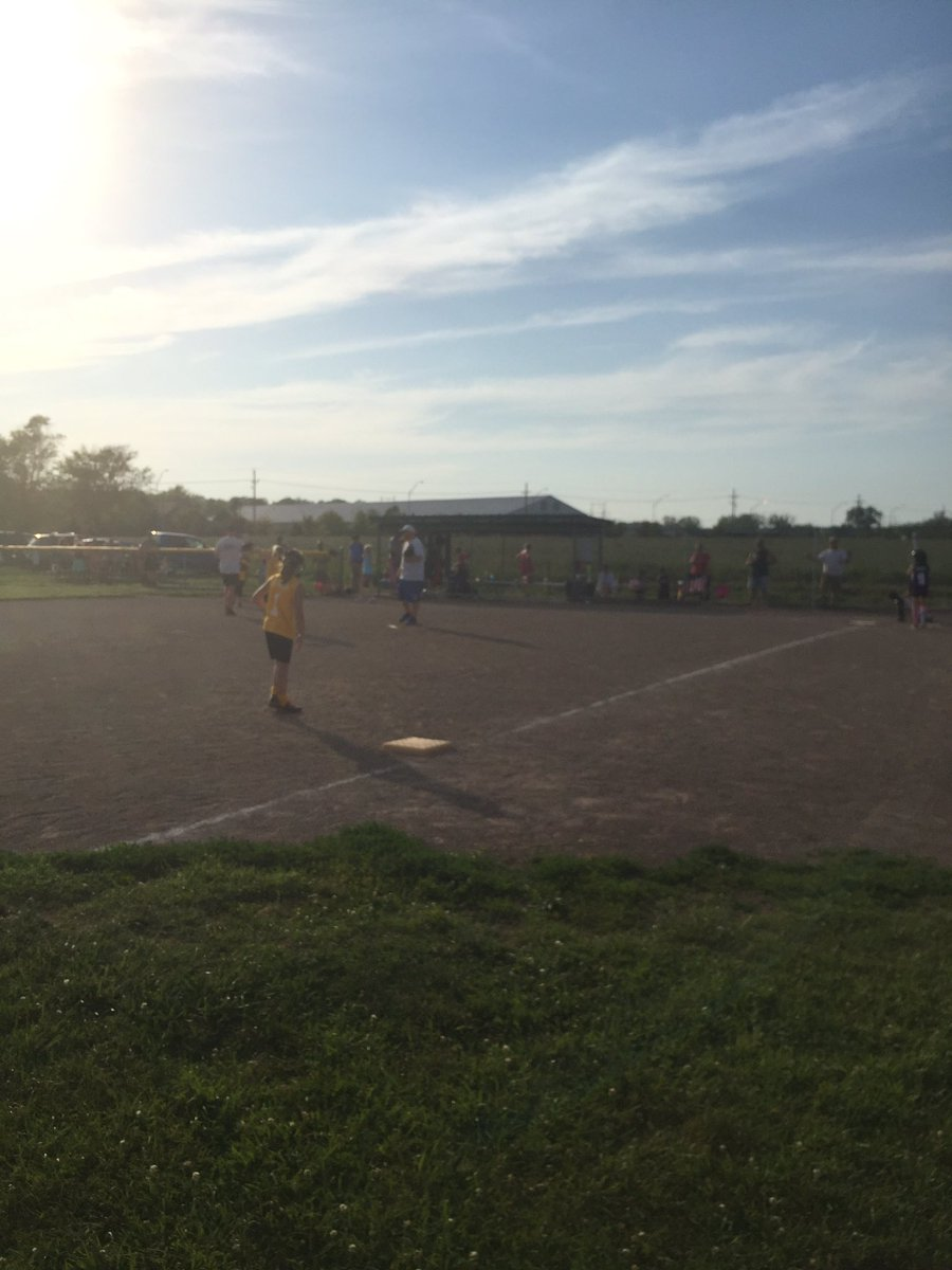 Nick Davis from Iowa watching my daughter play softball #xplap https://t.co/DKEOjTHeOc