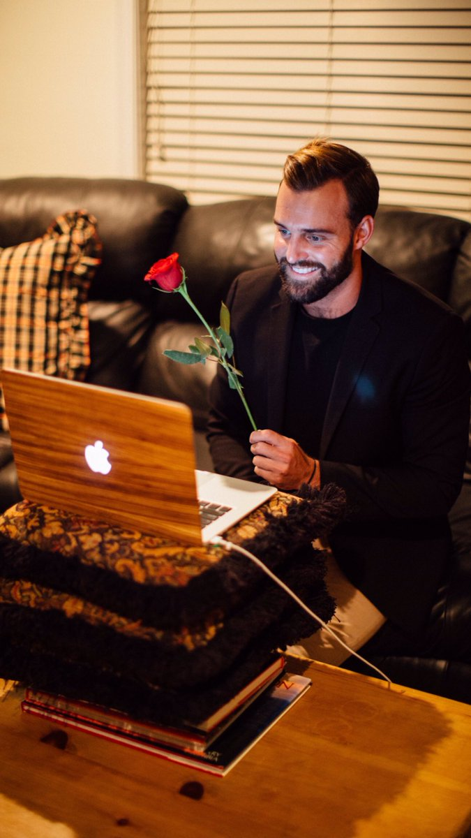 Robby Hayes - Bachelorette 12 - Fan Forum - Discussion  ClmQ-B7WIAAG1P4