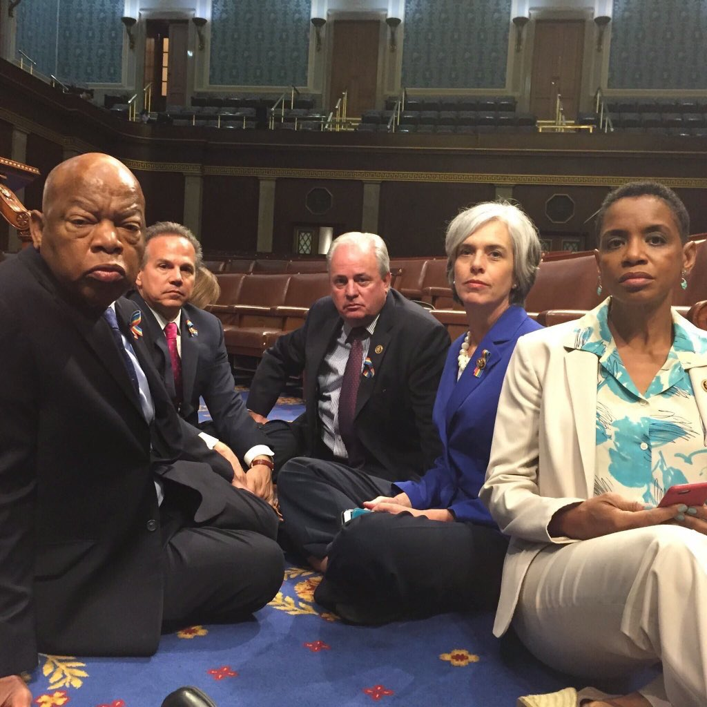 RT @Phil_Lewis_: Straight Outta Congress  #NoBillNoBreak https://t.co/cyZz23Rd4e