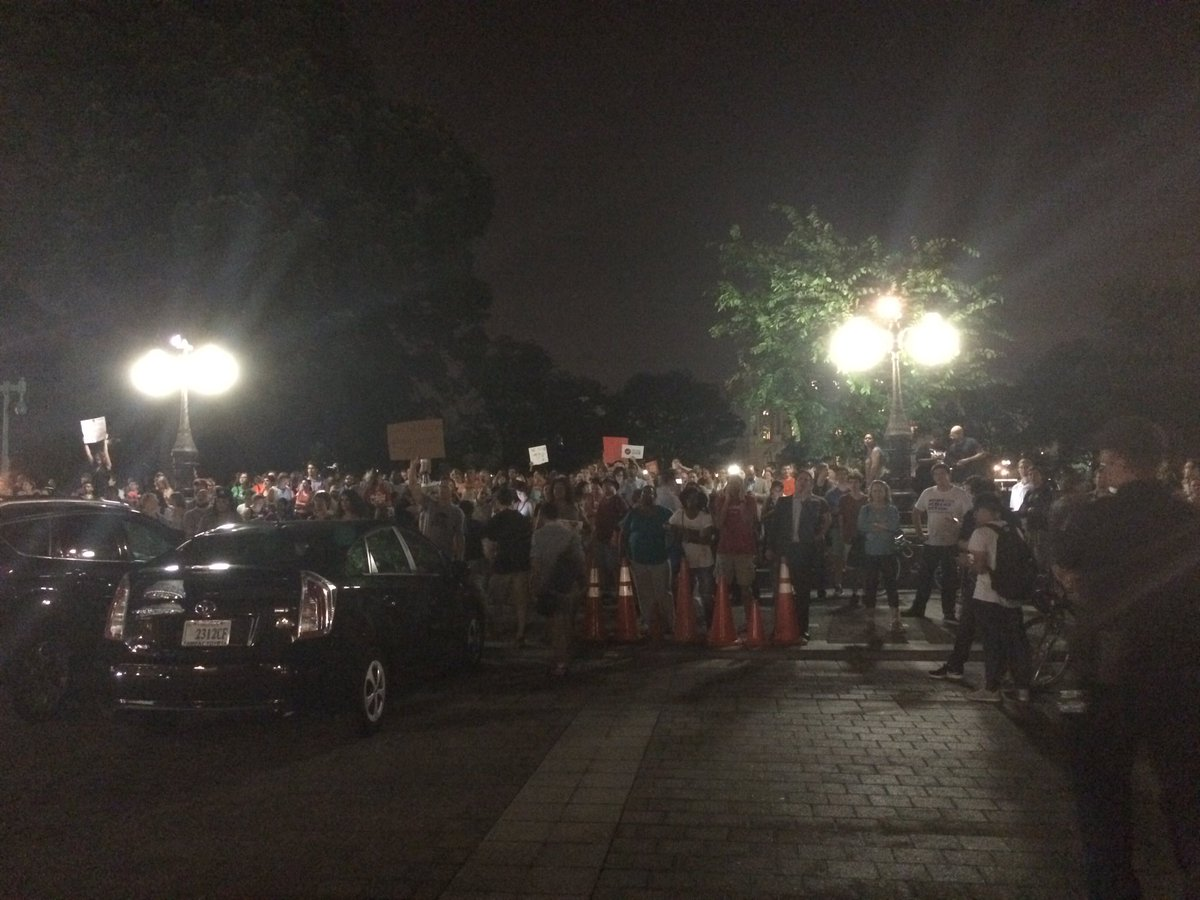 """Wow-- HUGE crowd outside the House chamber shouting """"do your job!"""" Had no idea they were here. https://t.co/vi721RotYu"""