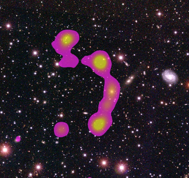 Discovered galaxy cluster named after two citizenscientists https://t.co/GO02ONJgoe https://t.co/QlUwKWGGNH