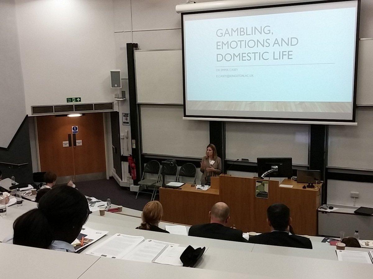 Critical legal thinking