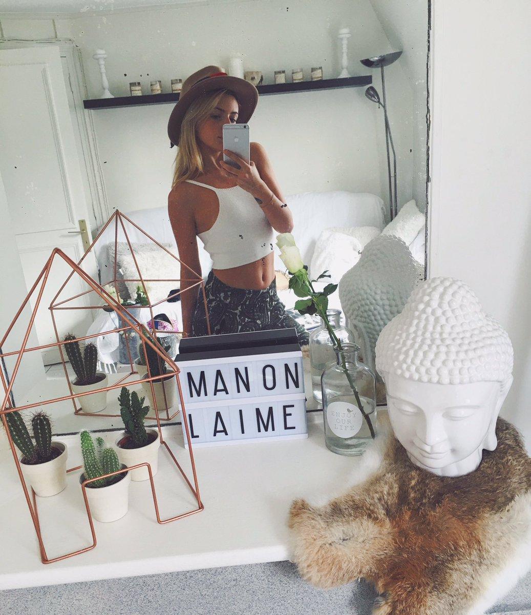Manon Lemaure Nude Photos 30