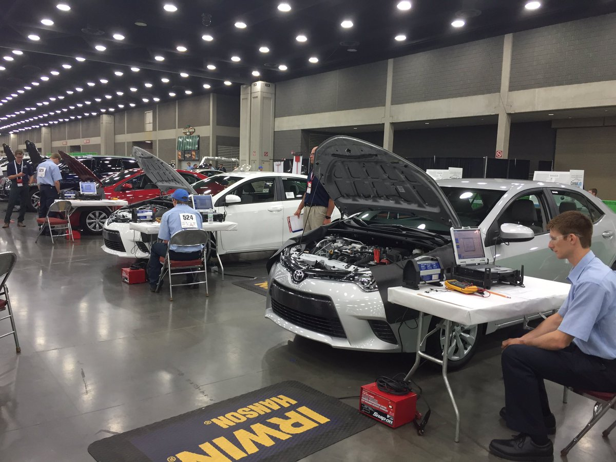 Thank you #Toyota for helping with vehicles for @SkillsUSA competition #NLSC16 https://t.co/gqQK6eOvdX