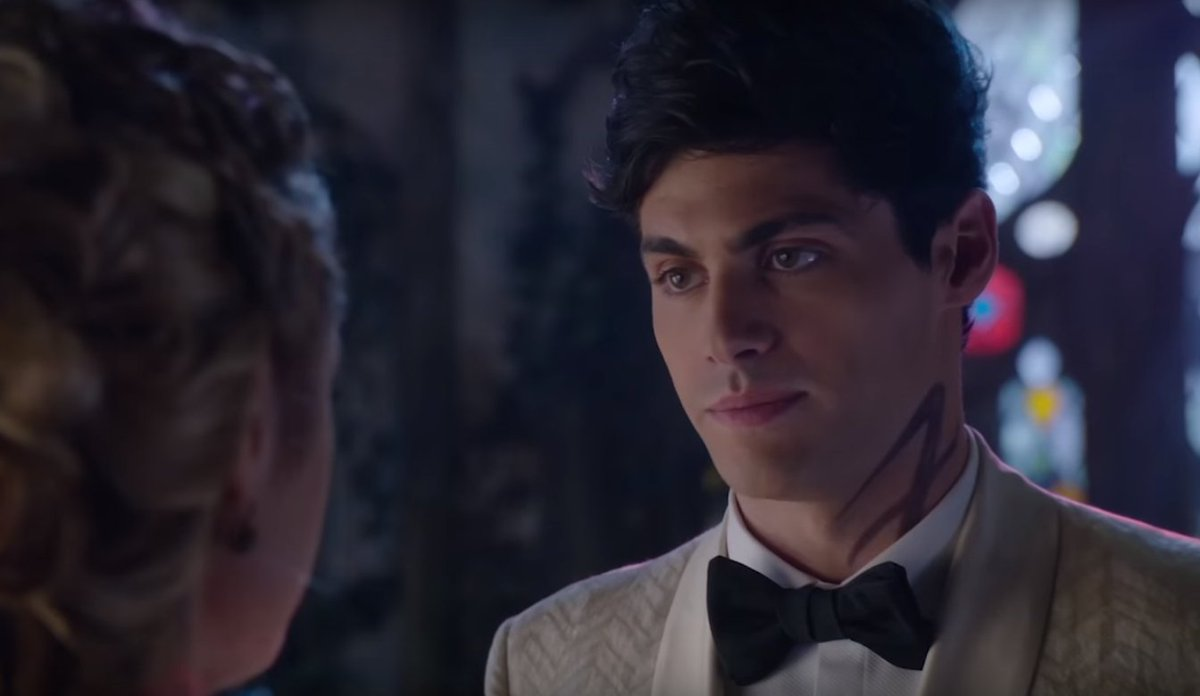 """""""I can't do this. I thought we were doing the right thing, but this isn't it."""" #Shadowhunters https://t.co/5D3RjqheLJ"""