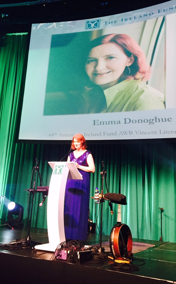 Emma Donoghue to give $25,000 bursary awarded to her by @irlfunds tonight to UN refugee agency. Well done. https://t.co/vwPeXrQaER