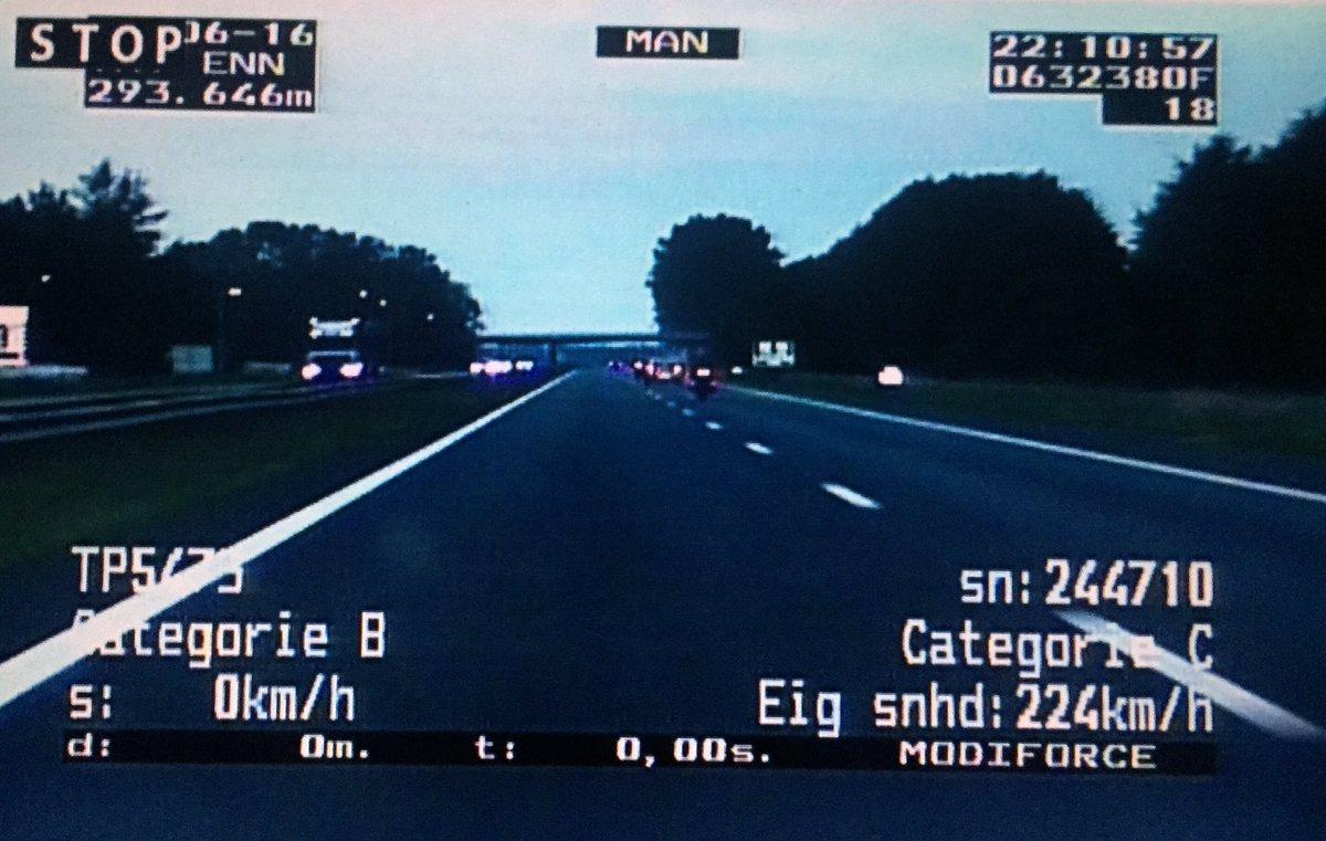 Van 27j motorrijder uit Groningen zojuist rbw ingenomen die 214km reed over de A28: https://t.co/pUzeykbrfO #ttassen https://t.co/a6E2y8ygvh