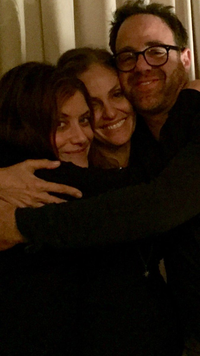 Got the a-okay from @adelsteinPaul and @katewalsh.. Here's a pic from last night. We don't love each other, nope. https://t.co/jdCLrwGNhR