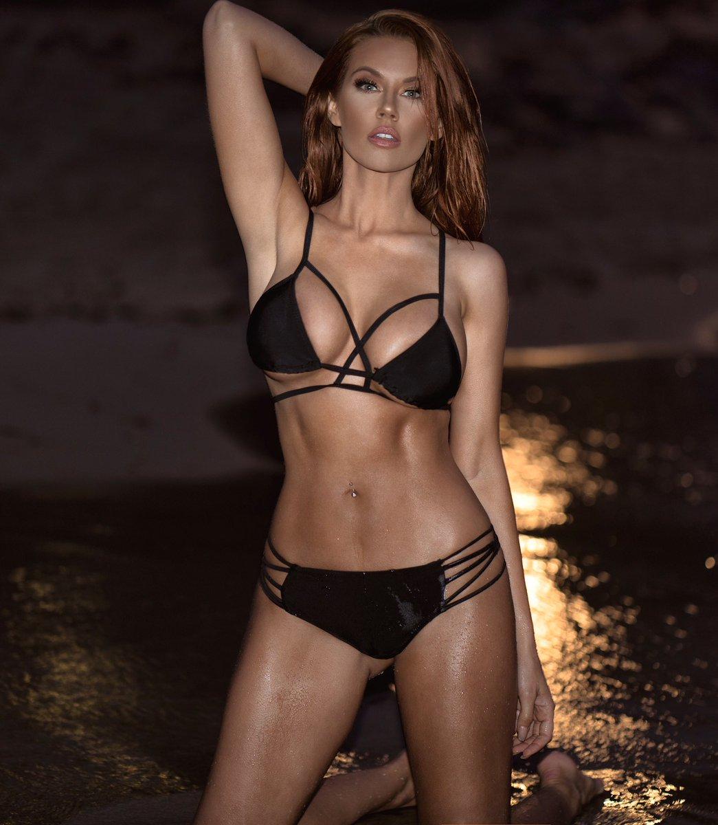 Jessa Hinton Nude Photos 24