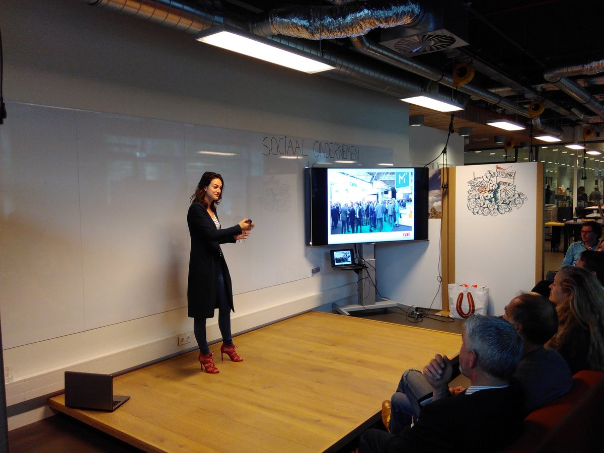 #buysocialnl good practice van @RAI_Amsterdam en @GreenFoxBV<br>http://pic.twitter.com/eePPNiHrbE